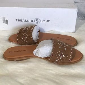 991c01910dd New in box treasure and bond sandals size 6